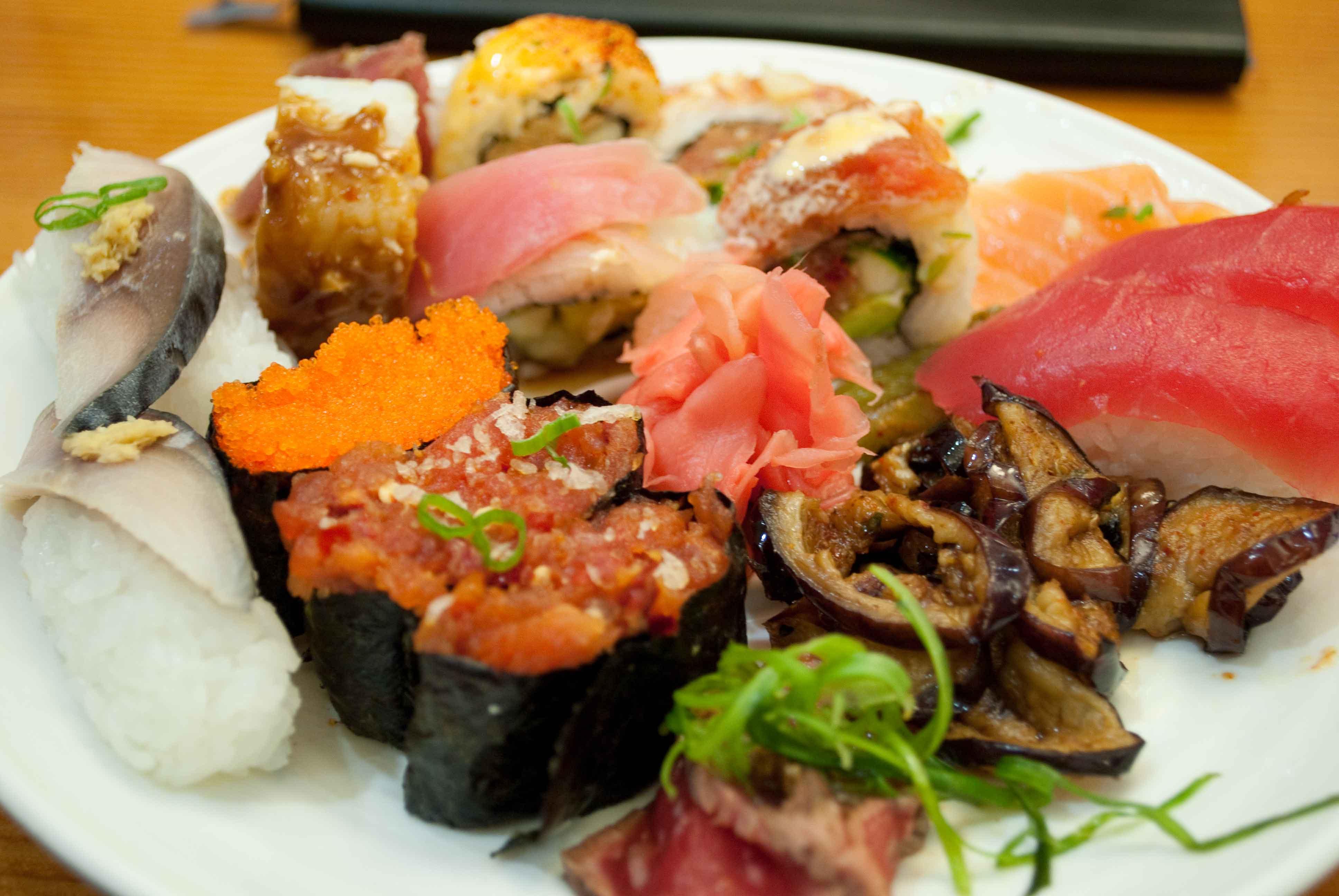 Minado sushi.jpg