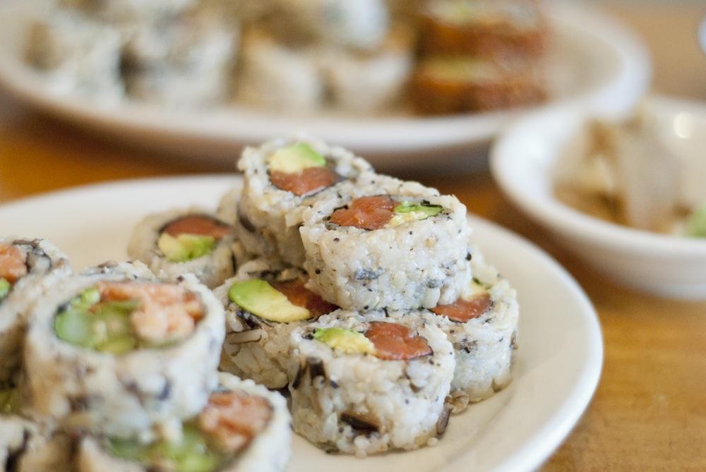 miyas-sushi-tuna-avocado
