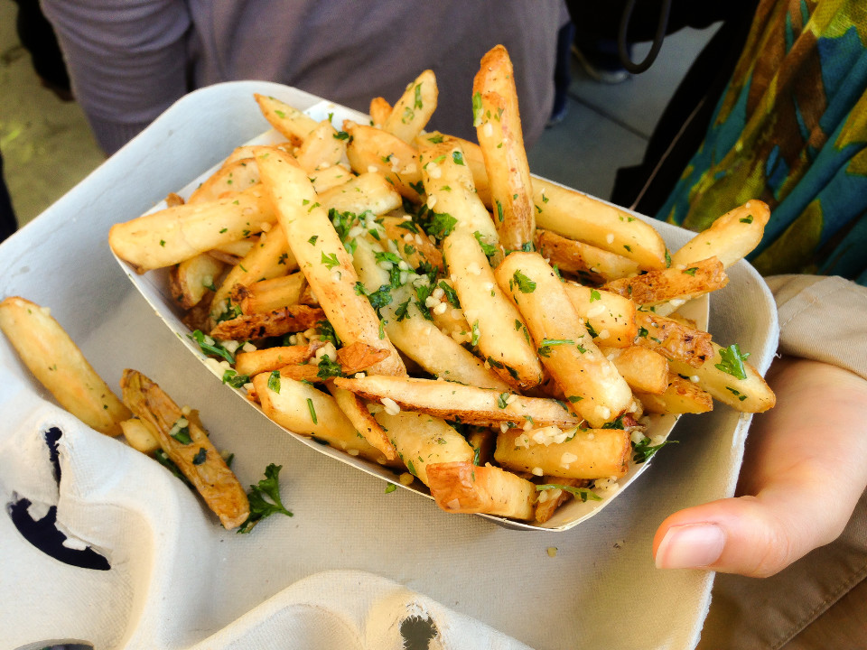 There was as much garlic as there were fries.